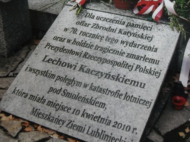 Tablica pamiątkowa na Cmentarzu Wojskowym w Lublińcu