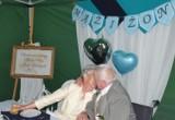 Poznali się w DPS-ie w Browinie niedaleko Torunia i tam wzięli ślub. Co to było za wesele!