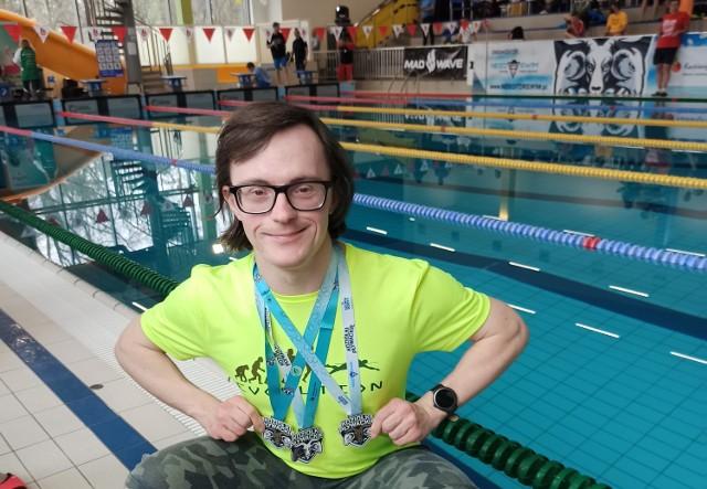 Paweł Krupiński zdobywa kolejne medale, a co ważniejsze - kwalifikacje do Europejskich Igrzyskach osób z Zespołem Downa, które odbędą się we Włoszech.
