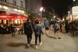 Koronawirus w Polsce. Bary i restauracje zamknięte po godz. 22:00? Rząd rozważa taką opcję