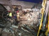 Dramatyczna akcja w Sosnowcu. Po wybuchu gazu ewakuowano ok. 400 osób. Zniszczone samochody i garaże