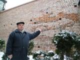 Ponad 5 tysięcy gotyckich cegieł wypełniło XIII-wieczne mury obronne w Żorach