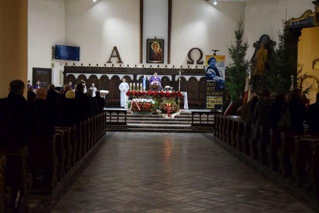 Ile osób może uczestniczyć we mszach świętych w kościołach w Wągrowcu? Zobacz w galerii