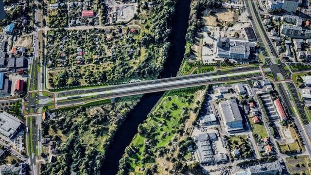 W Bydgoszczy rozpoczęła się wielka inwestycja - powstają dwa nowe mosty, tramwajowy i drogowy