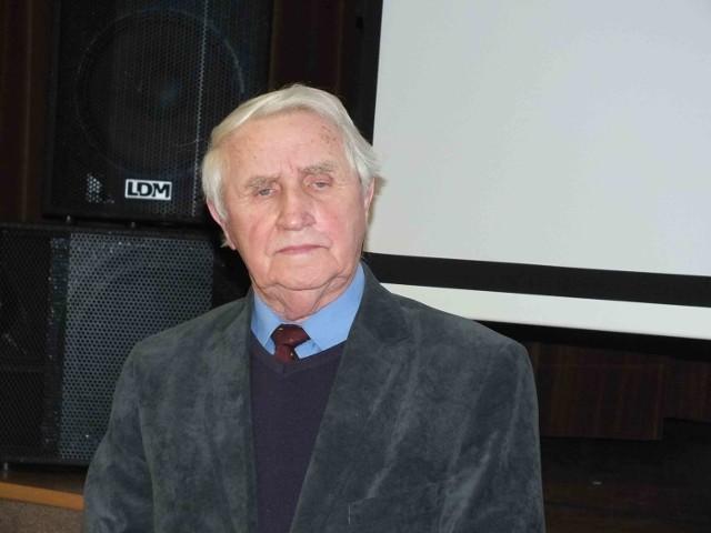 """Józef Kowalski, Honorowy Obywatel Miasta Starachowice, nadal protestuje przeciw """"spalarni"""" śmieci"""