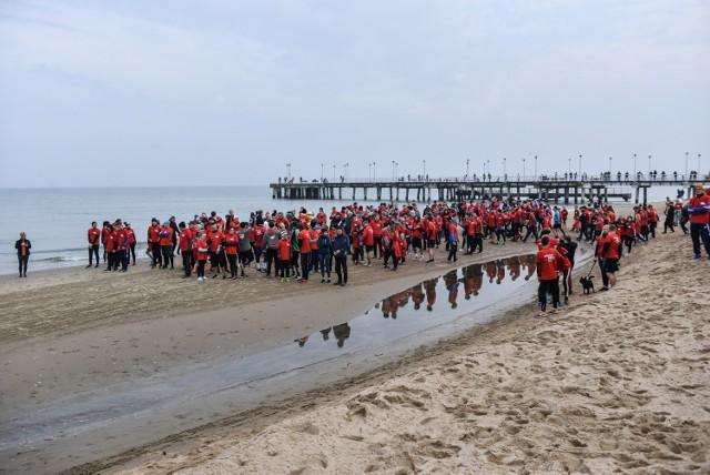 Tradycyjnie w samo południe przy molo w Gdańsku Brzeźnie wystartowała ósma edycja imprezy Gdańsk Biega. Pobiegło ponad 3 tysiące uczestników z Trójmiasta.