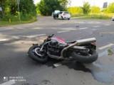 LESZNO. Wypadek na ulicy Kąkolewskiej - zderzył się motocykl i samochód. Uwaga na utrudnienia, policja kieruje kierowców na objazdy [FOTO]