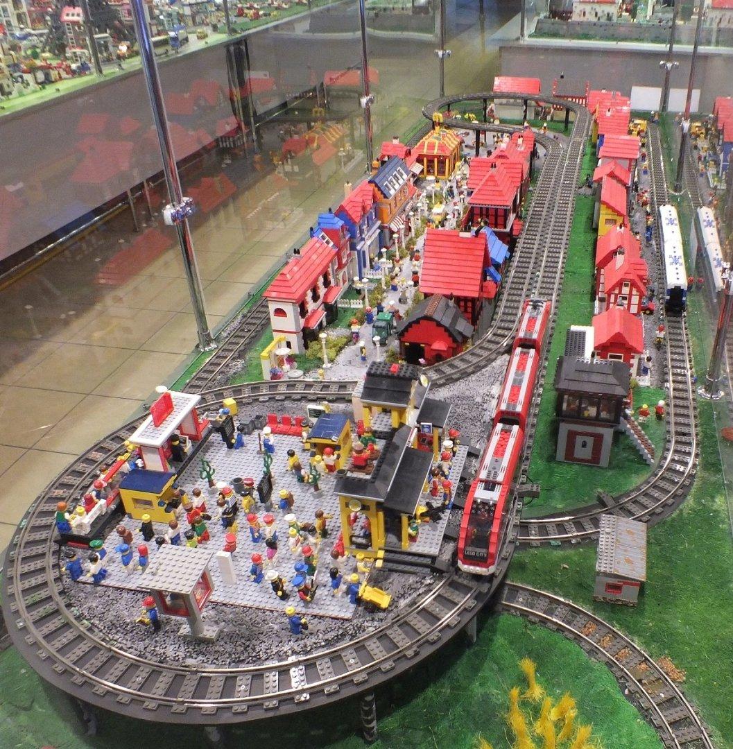 Klocki Lego W Porcie łódź Największa Wystawa Lego W Polsce