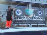 #NieKłamMedyka Baner zawisł na froncie Szpitalnego Oddziału Ratunkowego