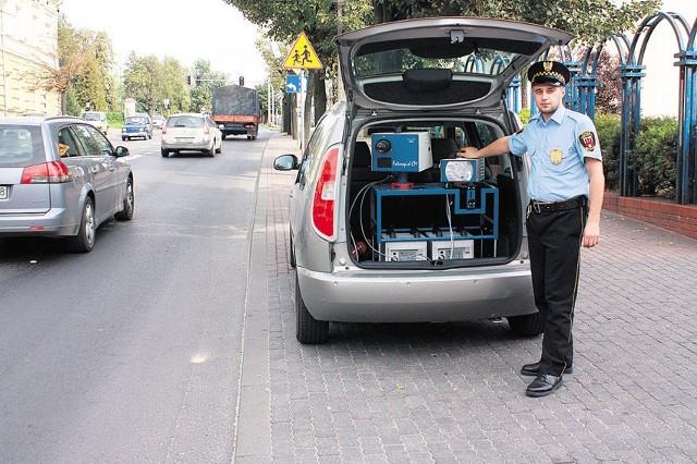 Strażnicy mają do dyspozycji przenośny fotoradar.