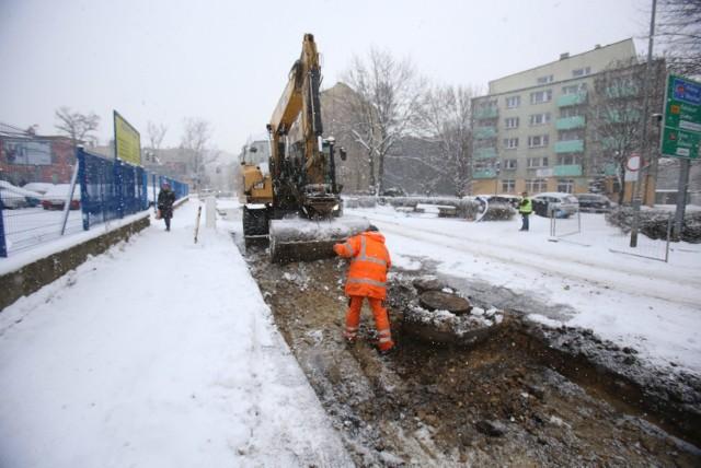 Trwa przebudowa ulica Hajduckiej. Oto najnowsze zdjęcia z prac drogowych. Zobacz kolejne zdjęcia/plansze. Przesuwaj zdjęcia w prawo - naciśnij strzałkę lub przycisk NASTĘPNE
