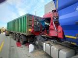 Wypadek na A1 pod Piotrkowem. Na wysokości Adolfinowa zderzyły się trzy tiry, na miejscu był LPR. Droga jest całkowicie zablokowana