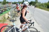 Radłów-Wierzchosławice. W weekend duże utrudnienia w ruchu na DW 975. Na drodze będę odbywać się zawody triathlonowe [OBJAZDY]