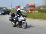 """Weekendowa akcja policji """"Prędkość i motocykle"""". Skontrolowano 124 pojazdy i nałożono 57 mandatów"""