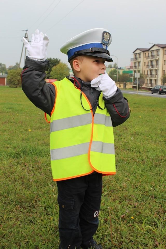 Dzieci spróbują swoich sił w Policji. Zobacz, z jakim skutkiem! [FOTO]