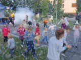Fantastyczna zabawa! Na osiedlu Zwięczyca w Rzeszowie bawiły się dzieci, ale też dorośli [ZDJĘCIA]
