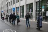 Kraków. Dużo kar za brak opłat w strefie parkowania i kolejki do biura wydającego abonamenty [ZDJĘCIA]