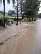 Nieokiełznany żywioł niszczył południe powiatu gorlickiego. Wiatr zrywał dachy, łamał drzewa, niszczył uprawy [ZDJĘCIA, VIDEO]