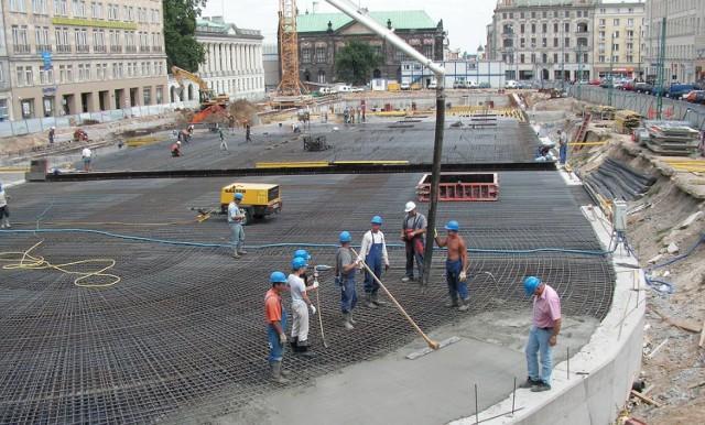 Budowa parkingu podziemnego na placu Wolności - lipiec 2004