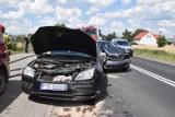 Kolizja w Borgowie na DW 434. Dwa zdarzenia za jednym razem. Kierowcy wrócą do domu z mandatami i punktami karnymi
