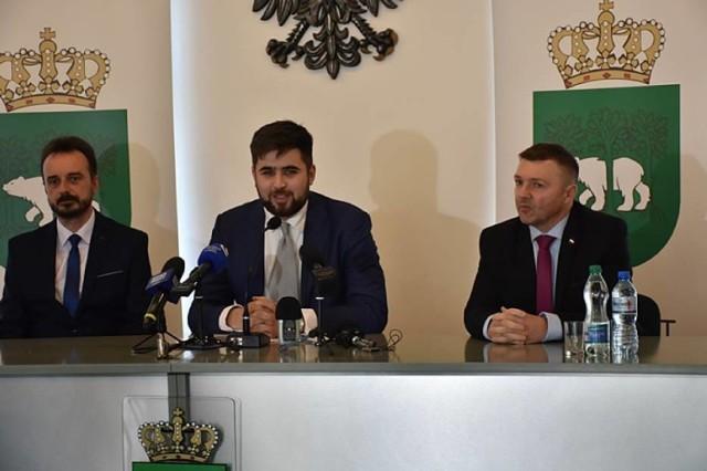 Artur Juszczak - pierwszy z prawej