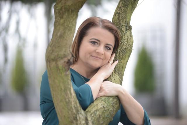 Anetta Reichel-Wasiljew jest kierownikiem warsztatu terapii zajęciowej przy Miejskim Ośrodku Pomocy Społecznej. Do Żar przyjechała z Rzeszowa. Zdj. Mariusz Kapała/archiwum GL