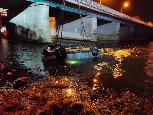 Do wypadku doszło na moście w Gubinie