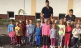 """Policja Stargard: """"Bezpieczna droga do szkoły"""" policjantów z dziećmi"""