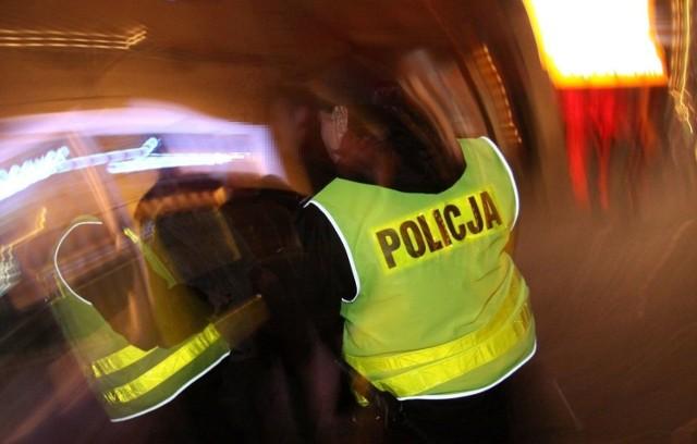 Mężczyźni po ranieniu policjantów zaczęli uciekać w stronę Smardzewa.