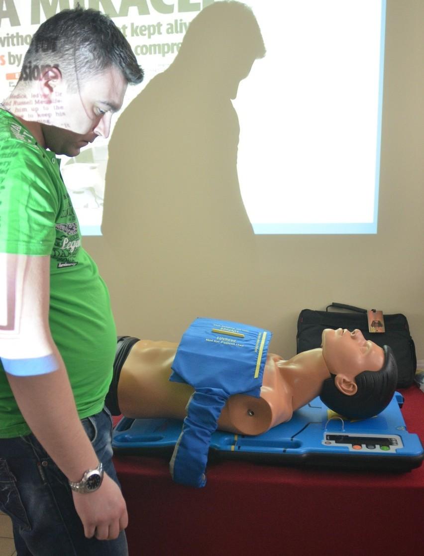 Łódzkie pogotowie testuje urządzenia wykonujące masaż serca [ZDJĘCIA+FILM]
