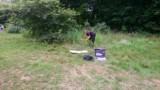 Poznań: W lesie obok kąpieliska Rusałka znaleziono konopie. Teraz sprawę bada policyjny technik