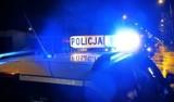Akcja policji w katowickim sanepidzie. Trumna w budynku, gwoździe pod radiowozem