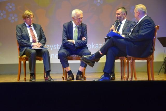 Uroczysta sesja Rady Miejskiej w Bieruniu z okazji 30-lecia samorządności