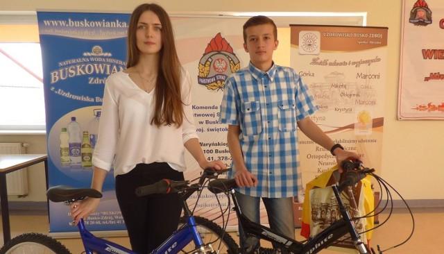 Rodzeństwo na medal! Kamil Skotnicki i Patrycja Skotnicka zajęli pierwsze miejsca w buskich eliminacjach 40. Ogólnopolskiego Turnieju Wiedzy Pożarniczej.