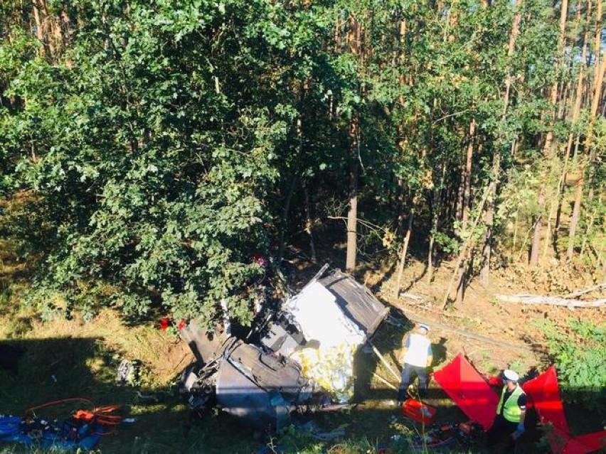 Dwie osoby zginęły w wyniku wypadku na wiadukcie w Antoninie