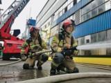 Ćwiczenia strażaków w powiecie brzeskim na terenie zakładu produkcyjnego oraz domu pomocy społecznej [ZDJĘCIA]