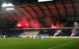Lech Poznań zamyka sektor gości na trzy mecze! Kibice, których obrzucano racami, na mecz z Górnikiem wejdą za darmo