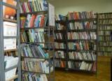 Biblioteka pedagogiczna w Pruszczu otwarta mimo pandemii. Można wypożyczać książki