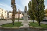 """Kraków. """"Wolność przyszła z Podgórza"""". Inscenizacja historyczna i odsłonięcie obelisku"""