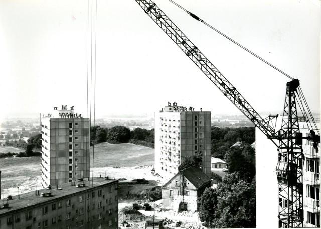 Niesamowite, historyczne zdjęcia z Dolinek! Dla porównania dodaliśmy nieco bardziej aktualne fotografie tej części miasta