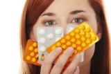 Tych leków nie łącz ze sobą bez konsultacji z lekarzem! Lista najbardziej szkodliwych interakcji leków