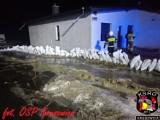 Podtopienia w gminie Kruszwica. Strażacy w akcji. Zobaczcie zdjęcia