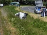 Kolejny wypadek w Stegnie. Samochód wypadł z drogi [ZDJĘCIA]