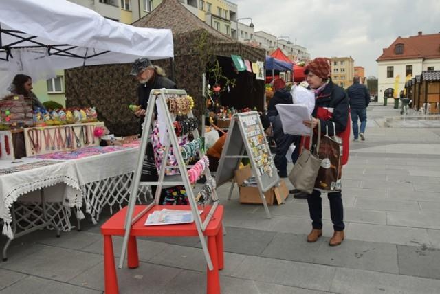 Drugi dzień Jarmarku Wielkanocnego na lubińskim rynku