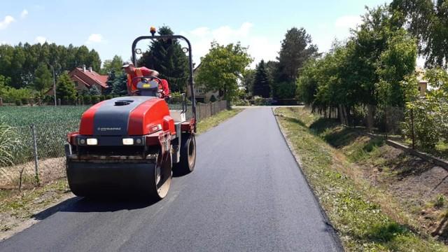 Trwa remont ważnej drogi w Wyszatycach w gm. Żurawica.