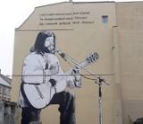 W Poznaniu pojawił się nowy mural! Gdzie można zobaczyć Czesia z Grobli i jaka jest jego historia? Zobacz zdjęcia!