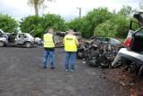 Nielegalny demontaż pojazdów w gminie Wicko. Wkroczyła policja i WIOŚ