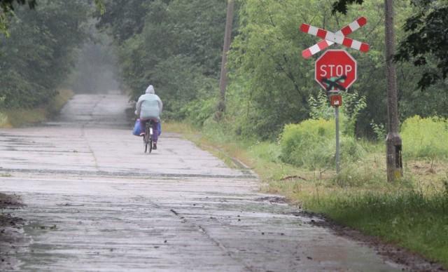 W imieniu mieszkańców interweniowała u prezydenta Włocławka radna miejska. Podkreśla, że po opadach deszczy stan nawierzchni ul. Leśnej pogorszył się