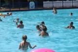 Na basenie w Sielcu i Stawikach tłumy. To dobre miejsce na relaks ZDJĘCIA