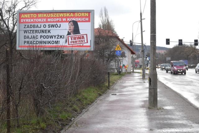 Pierwszy billboard pojawił się przy ulicy Tarnowskiej w Kielcach. Ma być ich więcej w całym regionie.